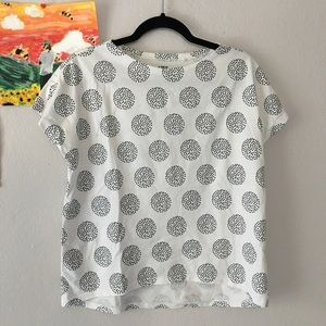 NWOT Uniqlo black and white top